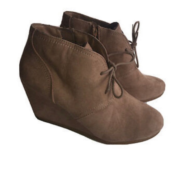 Universal Thread Shoes - 🌻Universal Thread Taupe Microsuede Wedge Bootie☀️